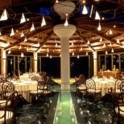 La luce giusta differenzia il ristorante