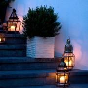 L'illuminazione esterna del ristorante: meglio luce calda o luce fredda?
